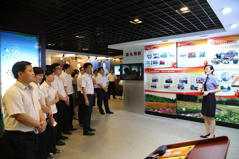 漳州农商银行组织党员干部参观廉政警示教育基地